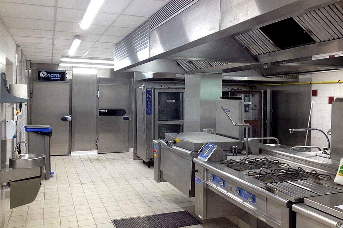 cuisine-centrale-chartes-de-bretagne